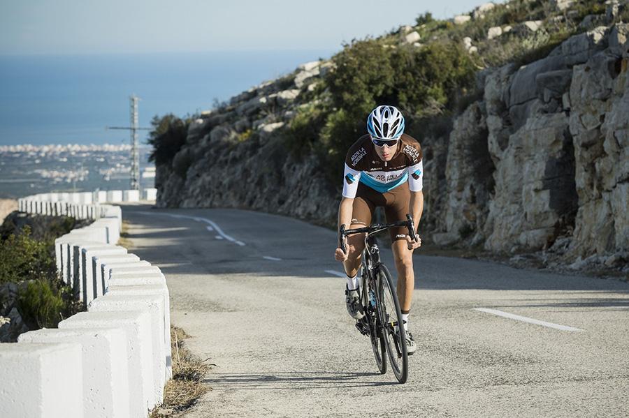 Cyclisme : L'ancien roannais Geoffrey Bouchard prolonge avec AG2R La Mondiale