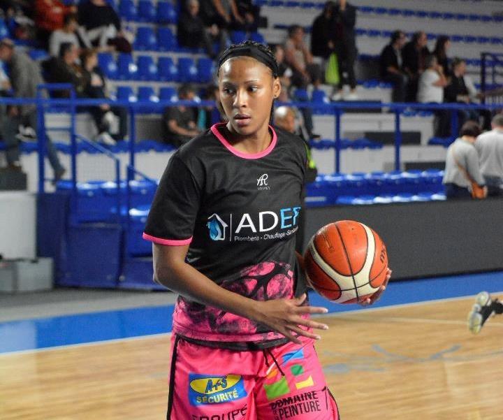 Le Roannais Basket Féminin prolonge une joueuse cadre de son effectif